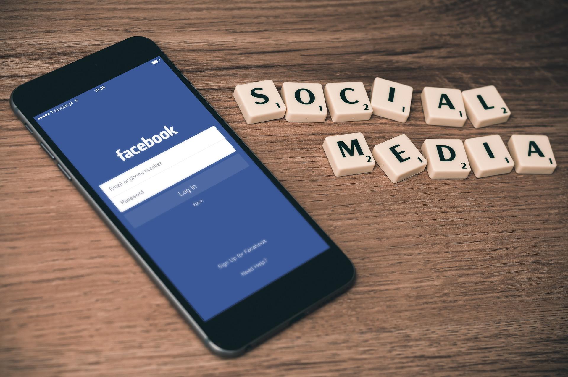redes sociales, facebook, celular, pantalla azul, scrable